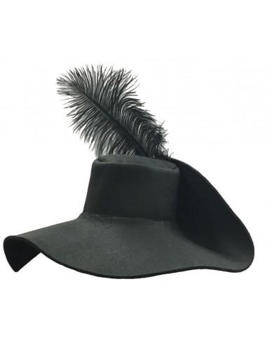 Sombrero español, con pluma.